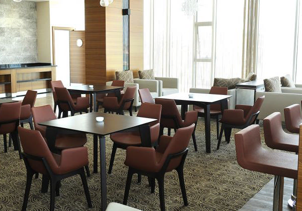 The Dependability of Commercial Outdoor Restaurant Furniture in Unusual Climates